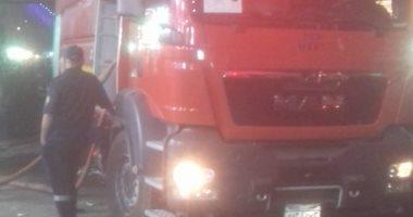 السيطرة على حريق بسيارة محملة بالمراتب الأسفنجية بسوهاج