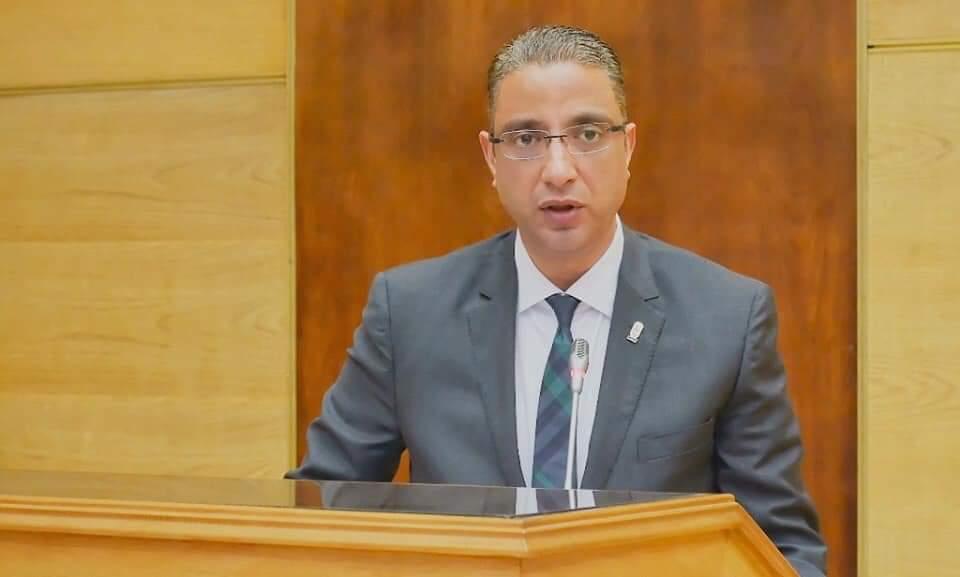 محافظ سوهاج يهنئ وزير الدفاع ورئيس الأركان بمناسبة ذكرى انتصارات العاشر من رمضان