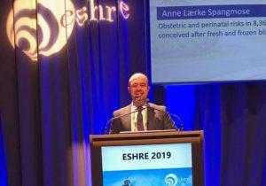 عالم مصرى يشارك فى مؤتمر الجمعية الأوروبية للحقن المجهرى بفيينا