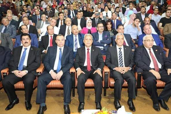 رئيس جامعة المنوفية يشهد احتفال المحافظة بعيدها القومى