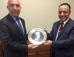 تعاون بين مصر وأوزبكستان في قطاع الأدوية.