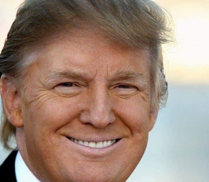 إدارة ترامب تصدر لائحة جديدة بإجراءات قبول تأشيرات الإقامة الدائمة للحد من الهجرة .