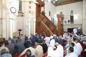 الهجان ومدير الأمن واعضاء مجلس النواب يؤدون صلاة العيد بسيدي عبد الرحيم القنائى
