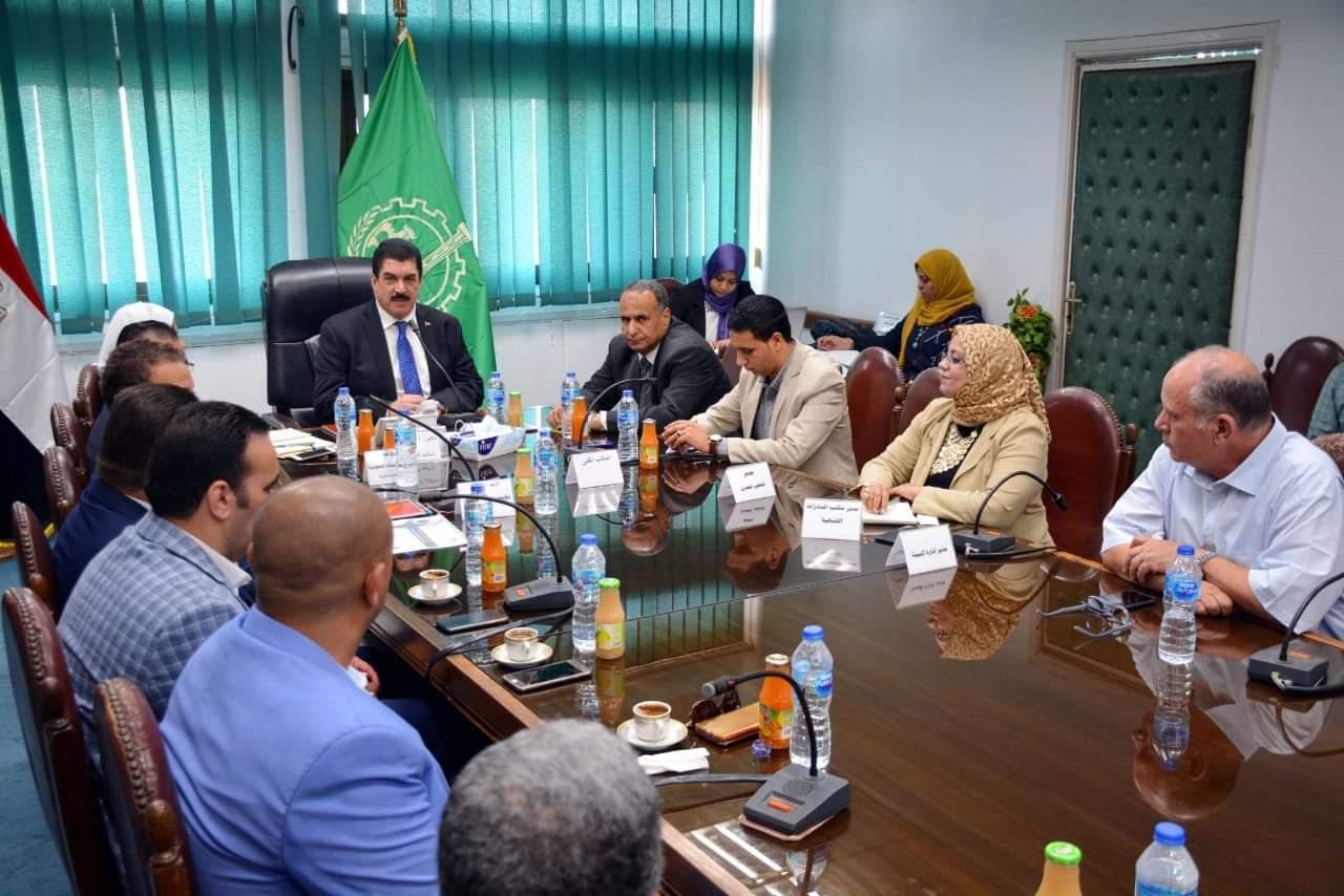 محافظ القليوبية يتابع تنفيذ مبادرة ( كلين شورز) لحماية نظافة شواطي النيل وتفعيل دور المشاركة المجتمعية