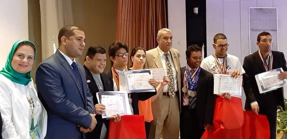 تكريم 7 طلاب من ذوى القدرات الخاصة من أبناء مركز الحفنى