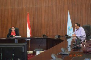 نائب محافظ البحر الأحمر تناقش آليات حماية البيئة والمكافحة المتكاملة