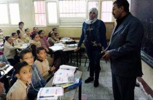 مدر تعليم بنها يشدد على عدم تجمع القمامة داخل المدارس