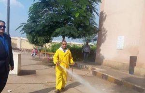 حملة لرش مبيدات حشرية فى مدرسة ثانوية ببنها