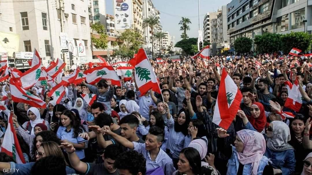 طلاب المدارس دخلوا على خط الاحتجاجات في لبنان.