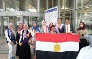 الطالب محمد هشام ابن القليوبيه سفير مصر في الإمارات في المهرجان الختامي لتحدي القراءه العربي بدولة الإمارات .