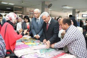 مبارك ونائباه يفتتحون معرض الأنشطة الطلابية للأسبوع البيئي السابع