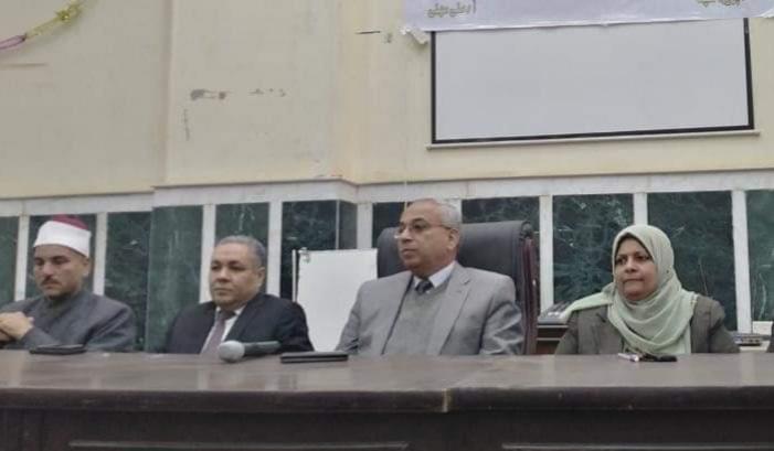 مجلس مدينة ملوي يستقبل ندوة جامعة المنيا التوعية