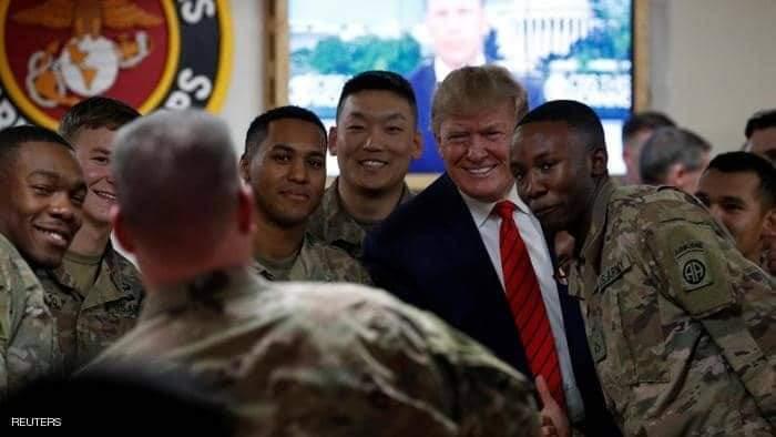 سحب هواتف وتغريد بالإنابة.. تفاصيل زيارة ترامب لأفغانستان