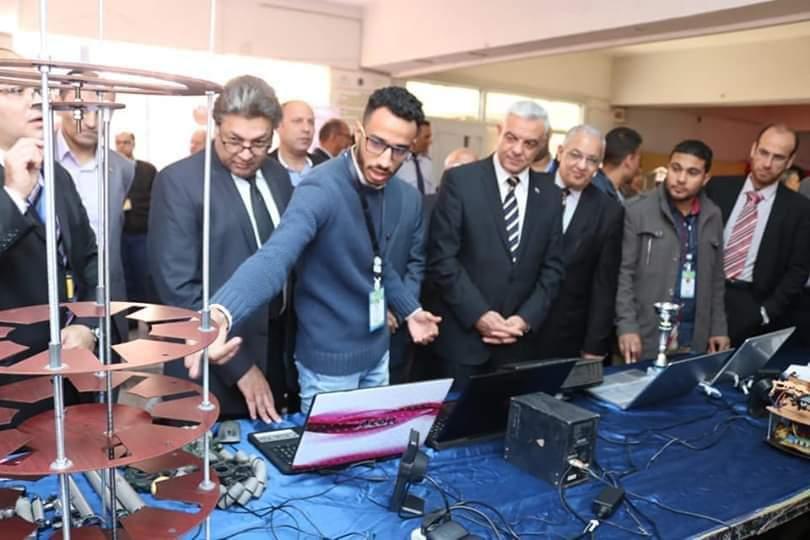 مبارك يفتتح المؤتمر الدولي الأول للهندسة الإلكترونية بمنوف