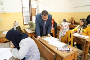: محافظ المنوفية يتفقد عدد من لجان إمتحانات الشهادة الإعدادية دور يناير 2020