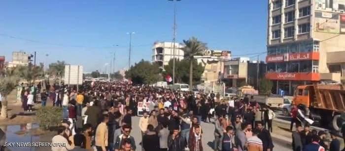 تظاهرات للطلبة في كربلاء بمدن العراق واصابات برصاص قوات الأمن