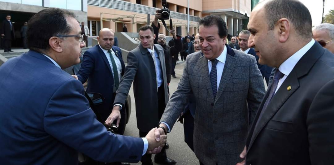 رئيس الوزراء يتفقد أعمال إعادة تأهيل وتطوير مبنى المعهد القومي للأورام
