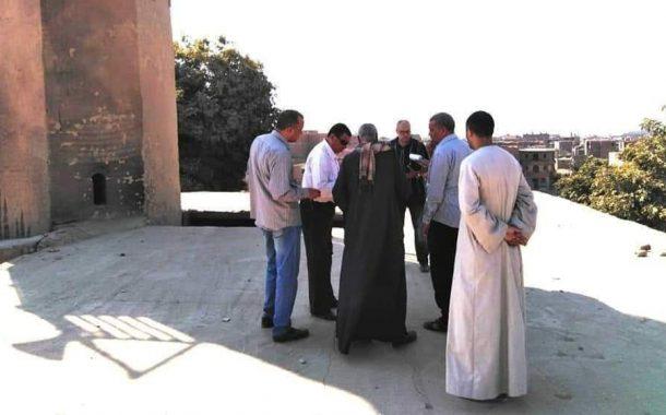 خلف الله يبذل قصاري جهده من أجل إحلال وتجديد المسجد العمري بهو بنجع حمادي