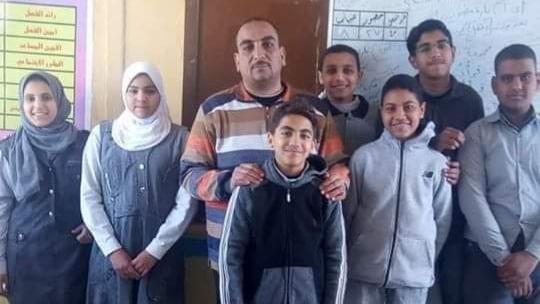 الإدارة التعليمية بنجع حمادي تهنئ مدرسة اللغات الإعدادية بالألومنيوم