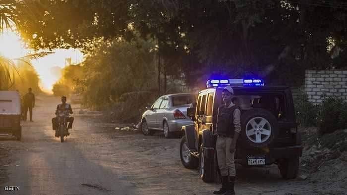 رجال شرطة في مصر شديد وراء مقتل عائلة الأهرام وطفل قد يحل اللغز
