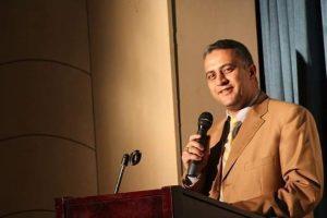 تعيين أيمن وزيري ابن أبوتشت رئيسًا لقسم الأثار بجامعة الفيوم