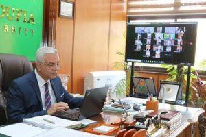 رئيس جامعة المنوفية يعقد جلسة مجلس الجامعة