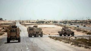 جنود الجيش المصري في شمال شيناءنكافح الإرهاب بالسلاح والتنمية