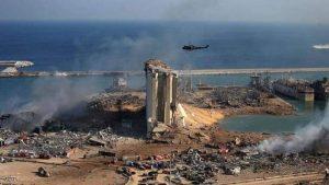 مرفأ بيروت تحول إلى كومة من الركام بسبب الانفجار.