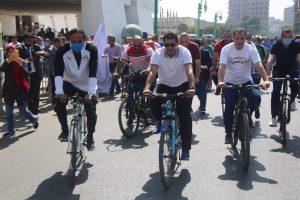 وزير الرياضة ومحافظ أسيوط يقودان ماراثون للدراجات بشوارع أسيوط