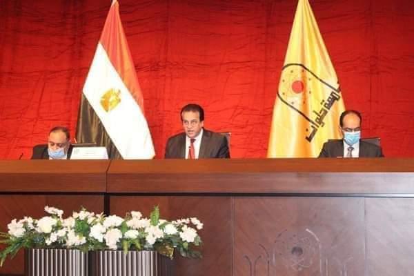وزير التعليم العالي يؤكد على الالتزام بانتظام الدراسة