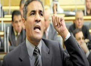 طرد النائب محمد عبدالعليم داوود من قاعة البرلمان بعد مهاجمته إعلام الدولة .