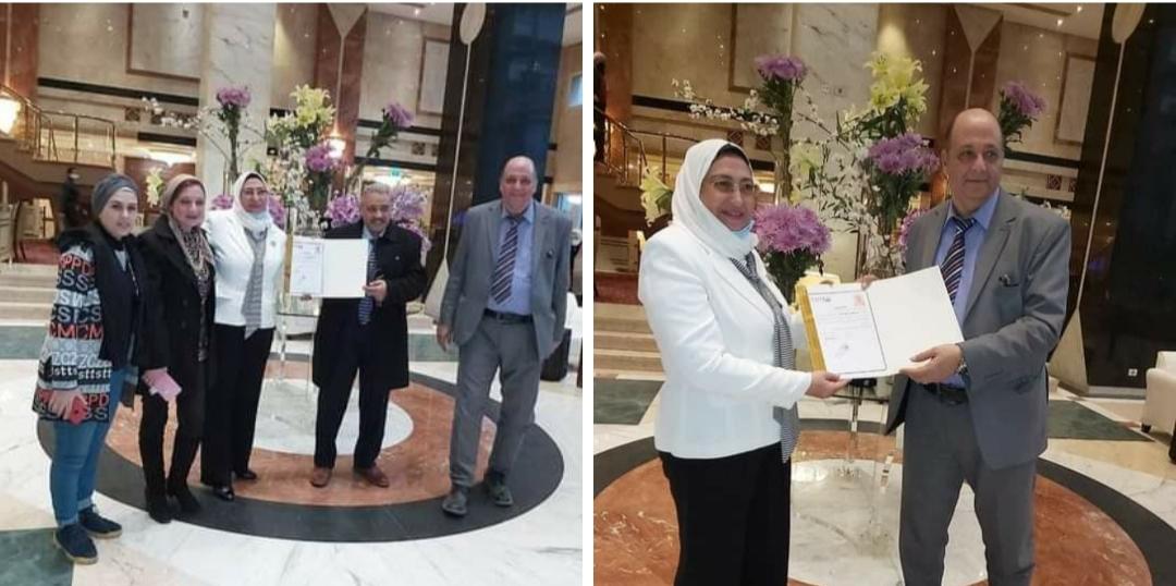 بالصور شبكة إعلام المرأة العربية تكرم سهير محمد عبد الحفيظ وكيل مدرسة التربية الفكرية
