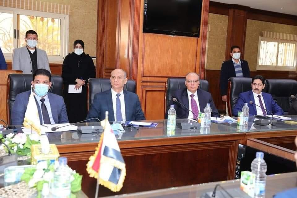 محافظ سوهاج يلتقي أعضاء مجلسي النواب والشيوخ بالمحافظه لبحث آليات العمل