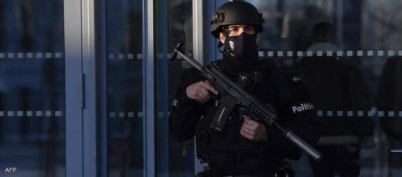 إحالة 14 شخصا يشتبه بأنهم تواطؤوا مع المتشددين الذين شنوا هجوما في العاصمة الفرنسية