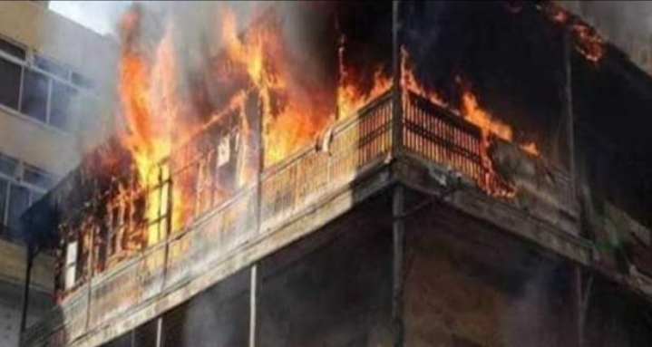 حريق هائل يلتهم محتويات منزل وفدان قمح مشون إثر حادثي حريق في قنا.
