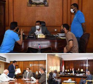 محافظ قنا يستأنف لقاءاته اليومية بالمواطنين لبحث شكواهم