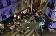 تغلق شارعا في باريس بعد اصطدام سيارة بمقهى
