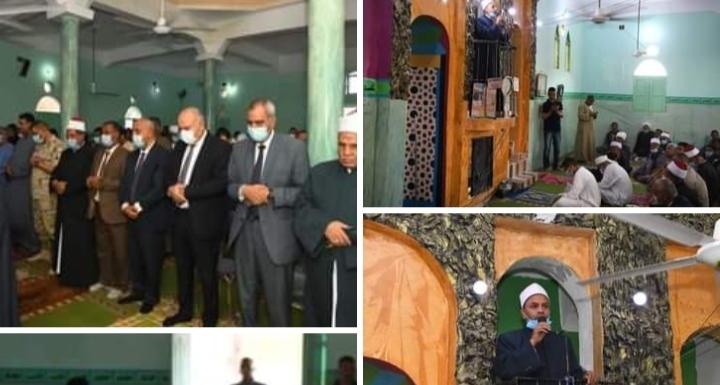 للمرة الأولى .. محافظ قنا يؤدى صلاة عيد الأضحى المبارك بقرية أبو حزام