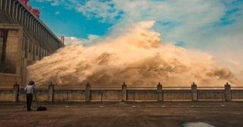 السد الذي تم تدميره في الصين لخطر الفيضانات