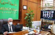 رئيس جامعة المنوفية يجتمع مع النواب وأمين عام الجامعة وعمداء الكليات