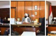 محافظ قنا والسكرتير العام المساعد يواصلان لقاء المواطنين لبحث شكواهم
