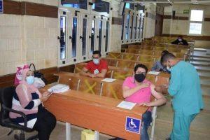 تطعيم هيئة التدريس والطلاب والعاملين فى الجامعة المصرية الروسية.. تعرف على عقوبات الممتنعين