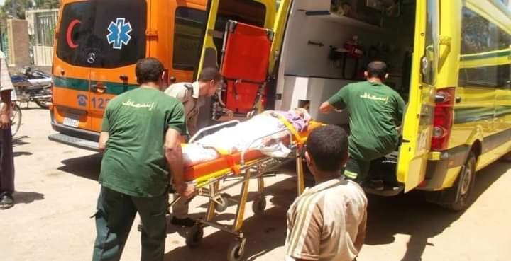 إصابة 3 أشخاص بينهم طفل في حادث تصادم دراجة نارية في أبوتشت
